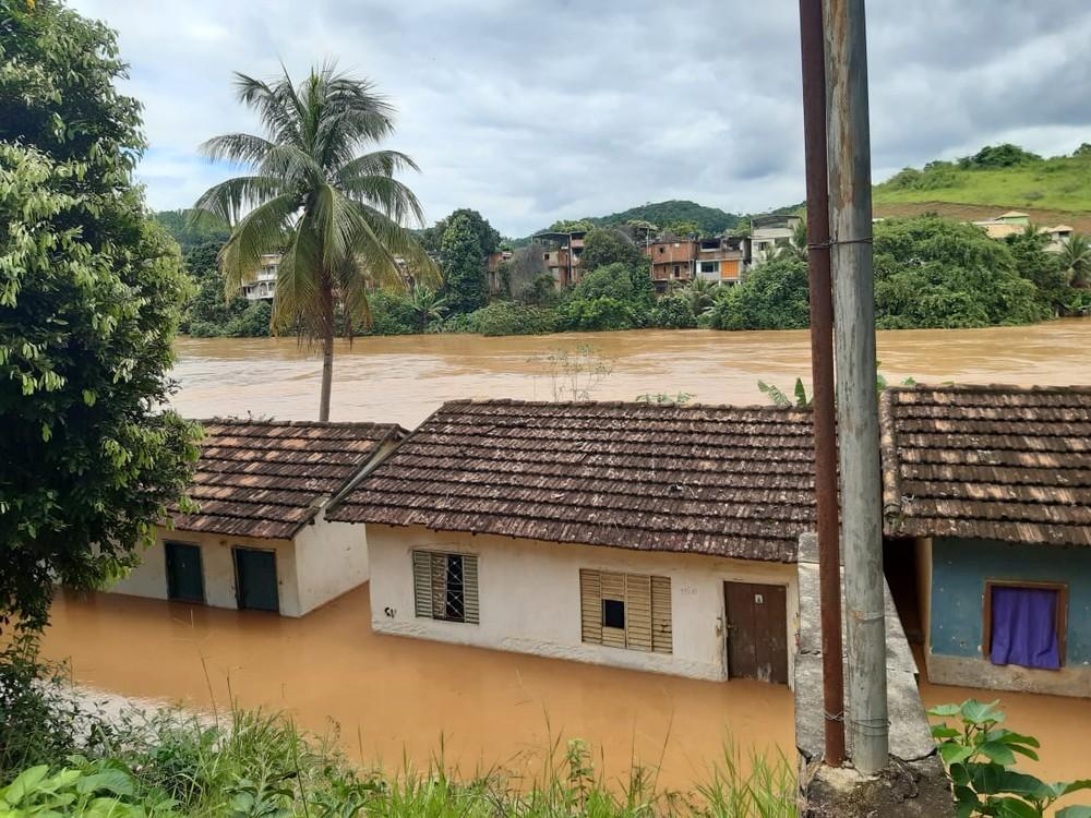 Cidades da Zona da Mata e Vertentes atingidas pelas chuvas recebem mais de R$ 400 mil do Estado