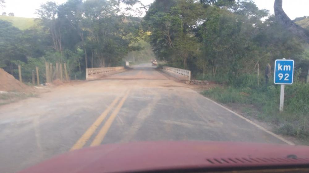 DEER-MG libera trecho da rodovia MG-111 de Reduto a Manhumirim