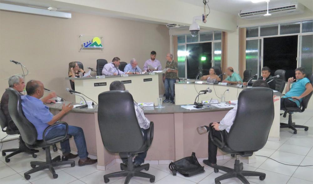 Desembargador reconsidera liminar e confirma julgamento do Prefeito de Manhumirim neste domingo