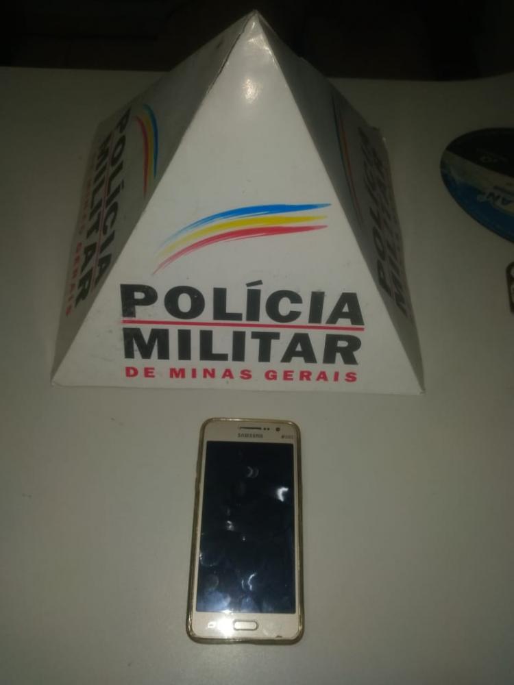 Em ação rápida, PM de Manhuaçu prende autor de roubo e recupera celular