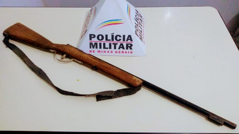 PM apreende arma de fogo que seria utilizada por um caçador em Reduto