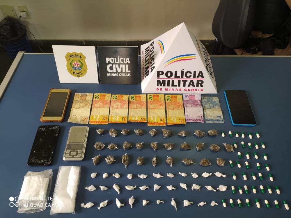 Foram apreendidas 28 buchas de maconha, 72 porções de cocaína e 14 indivíduos relacionados ao tráfico foram presos, o que desarticulou de maneira significativa as ações criminosas no município de Manhuaçu.
