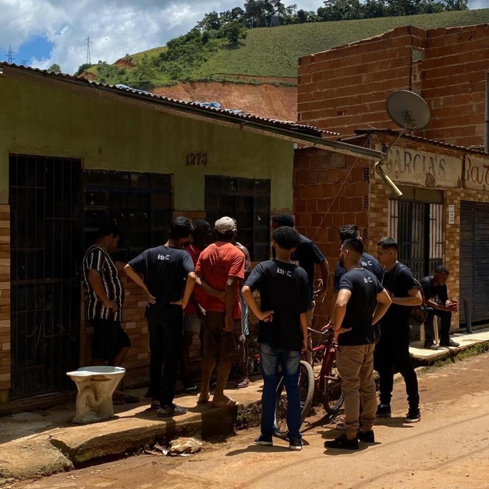 Jovens evangelizaram os bairros Engenho da Serra e Bom Pastor em Manhuaçu