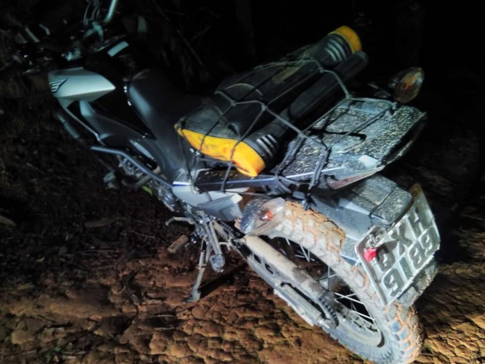 Moto de motoboy foi roubada e recuperada pela PM no bairro Bom Pastor em Manhuaçu
