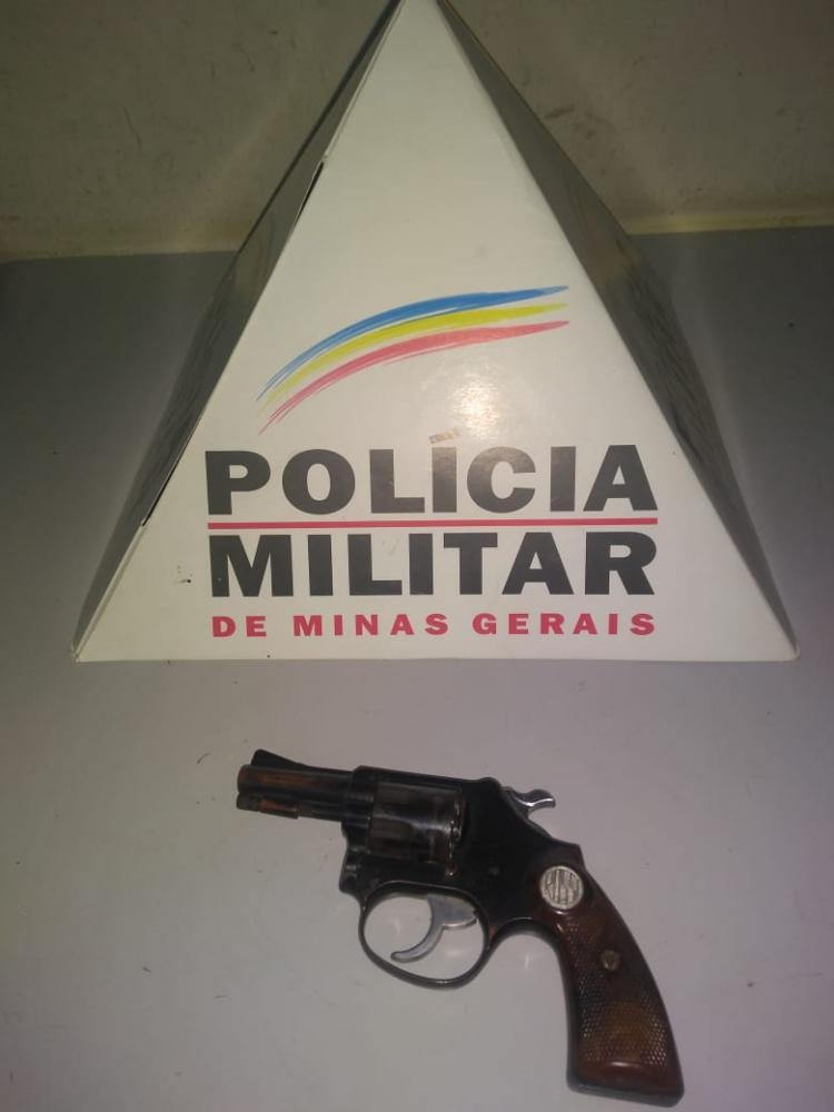 Após incentivar a entrega de armas de fogo a PM apreende um revólver em Lajinha