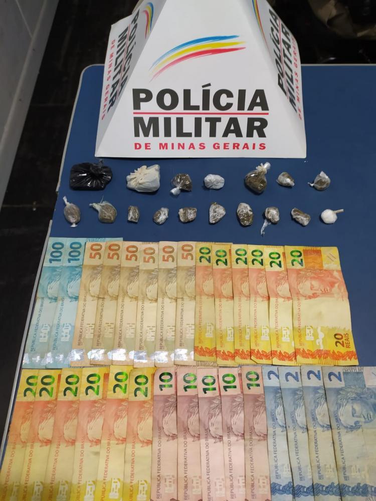 PM apreende drogas no bairro Santana em Manhuaçu