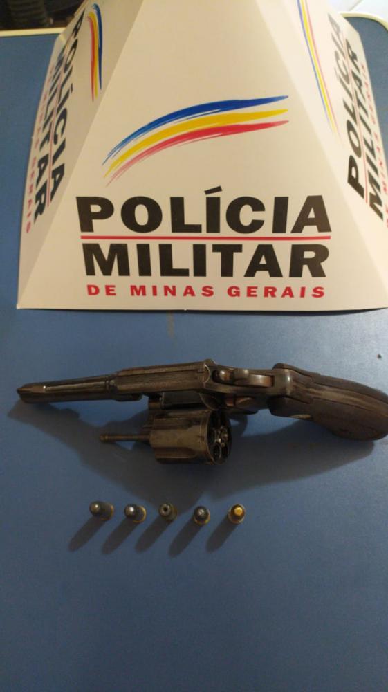PM realiza operação para prevenção de crimes violentos e apreende armas de fogo e munições