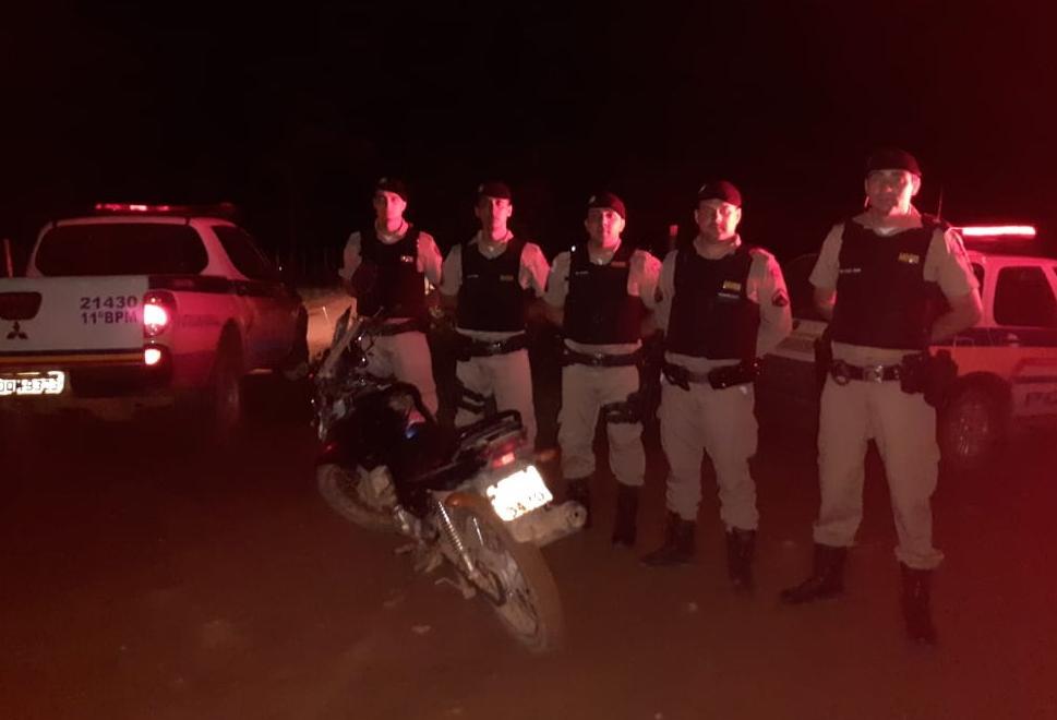 PM de Santana do Manhuaçu apreende menores e arma de fogo e recupera motocicleta roubada