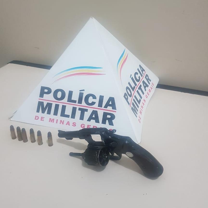 PM apreende arma de fogo no bairro São Jorge em Luisburgo