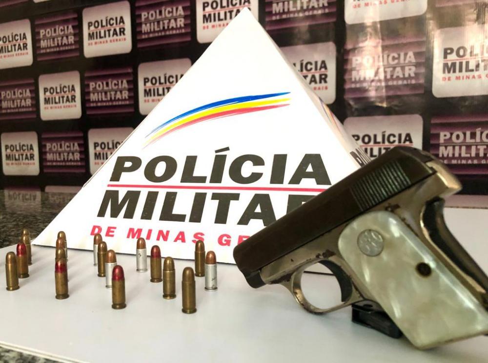 Polícia Militar de Mutum apreende pistola tipo Beretta, calibre 6,35mm
