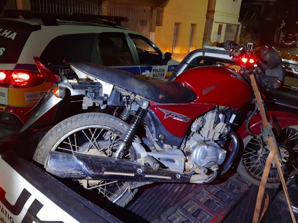 Autores de roubo a motocicleta são presos e moto recuperada em Luisburgo