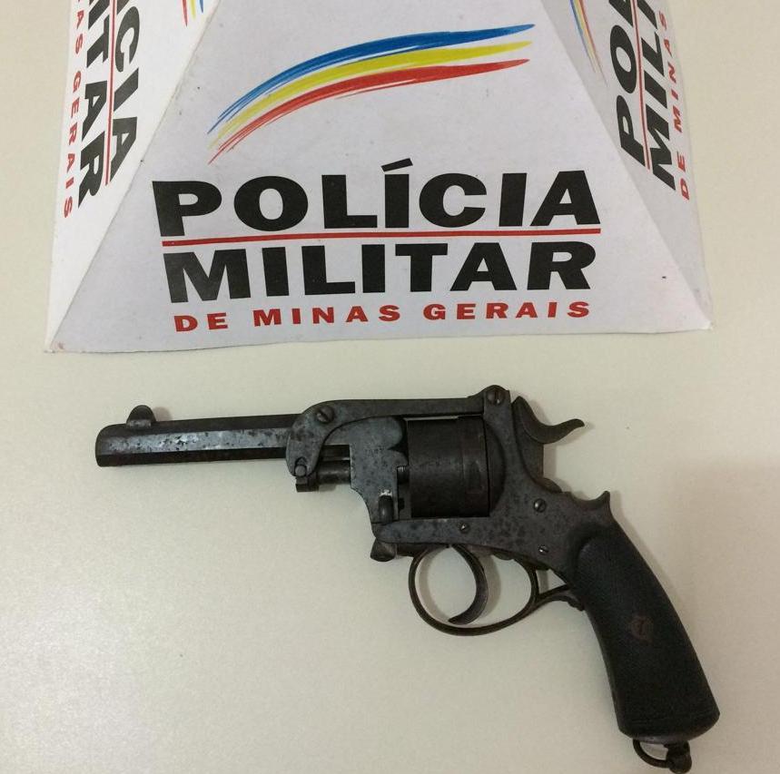 Durante visita preventiva, PM apreende arma de fogo em Caiana