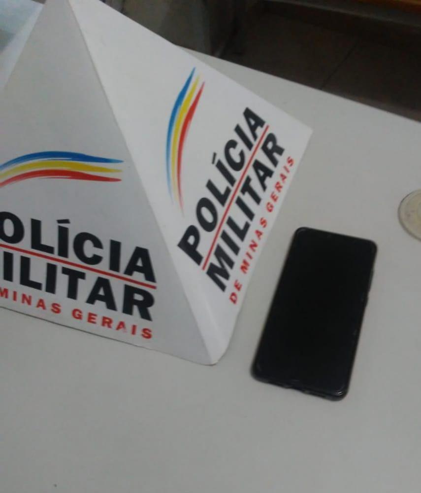 PM recupera aparelho celular roubado em Manhuaçu