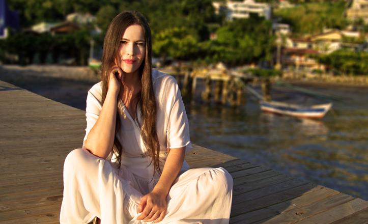 Adelãyne lança sua primeira canção nas plataformas digitais – Céu