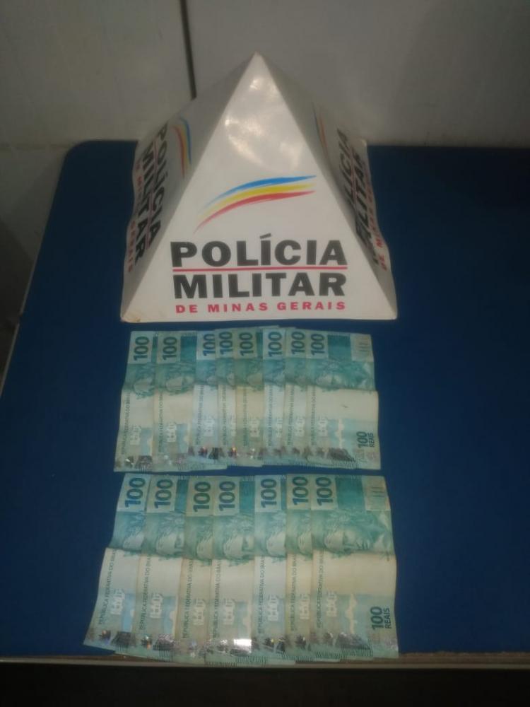 PM prende autora de furto e recupera parte do dinheiro furtado em Manhuaçu