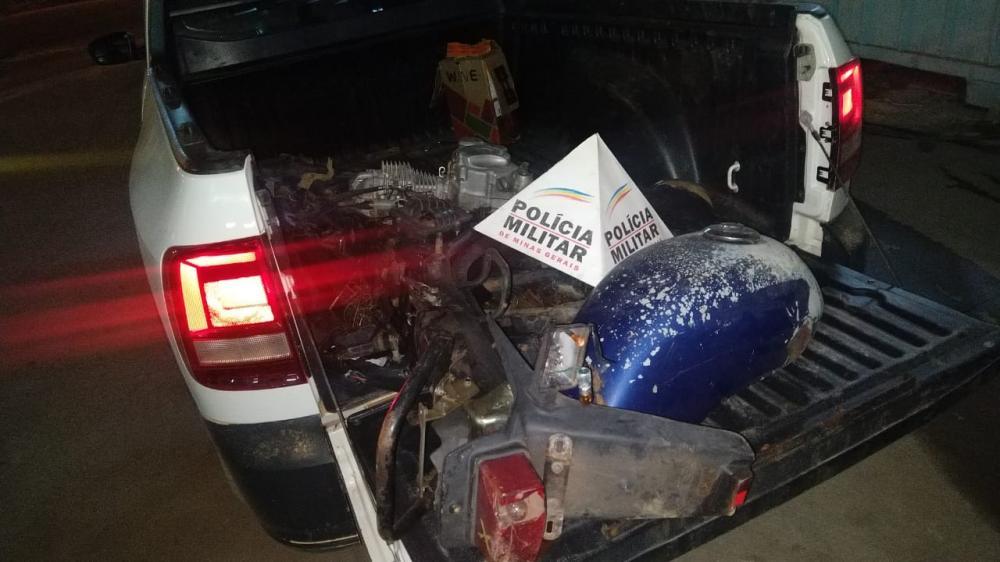 PM recupera moto furtada no pátio de veículos apreendidos em Manhuaçu