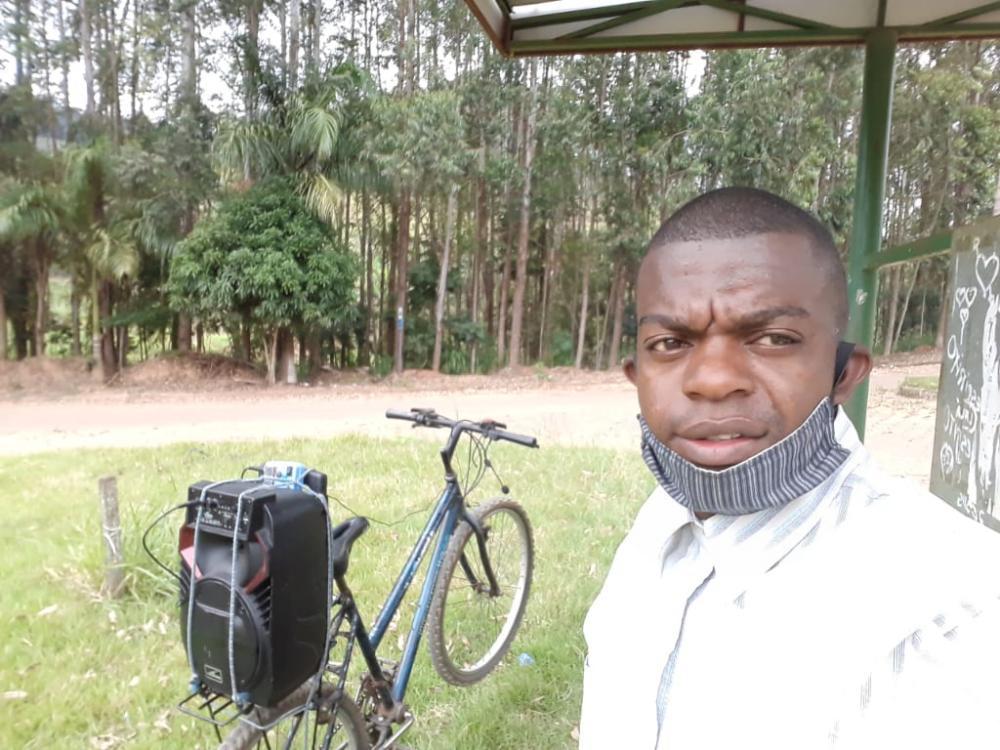 Pastor leva Bike Missionária até Ponte do Silva e Vila Formosa em Manhuaçu