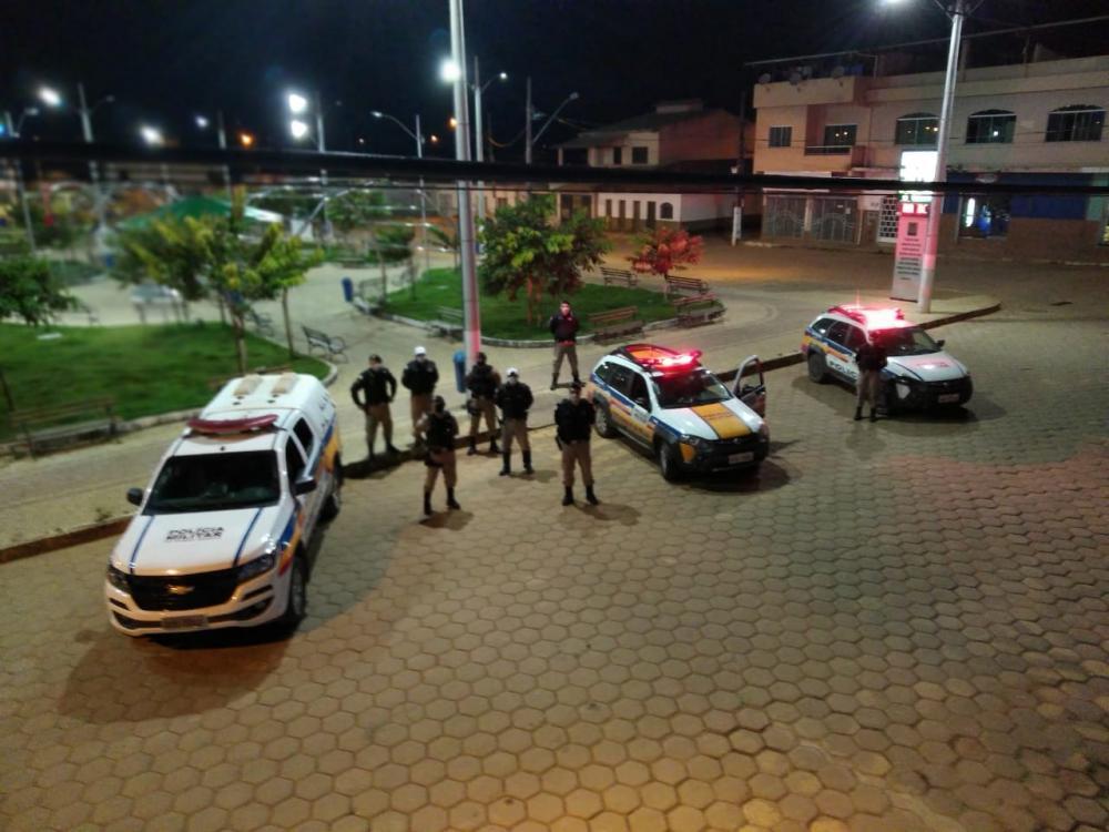 Durante a madrugada desta segunda-feira (11) a Polícia Militar através de equipes do 11° Batalhão em ação conjunta com equipes da Polícia Militar Rodoviária, realizaram uma operação preventiva em combate a ações de quadrilhas voltadas a explosão de caixas