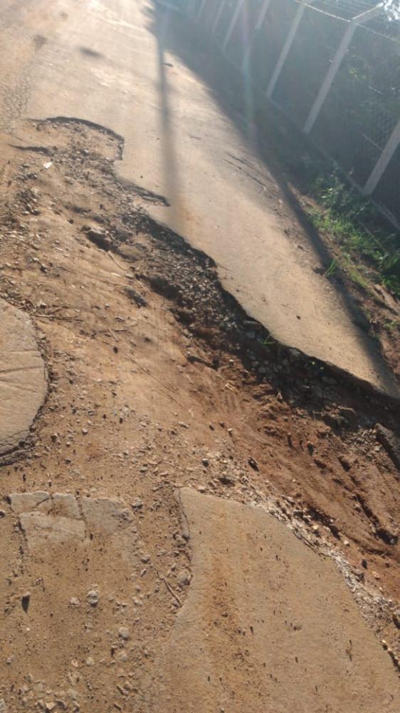 Moradores da Vila Boa Esperança em Manhuaçu sofre com buracos nas ruas