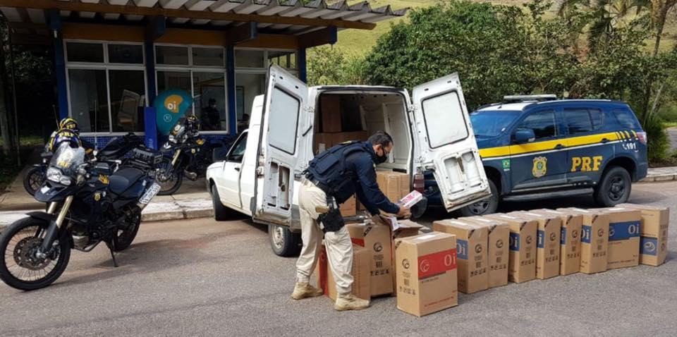 Carro de Caratinga é apreendido pela PRF com 300 mil cigarros contrabandeados