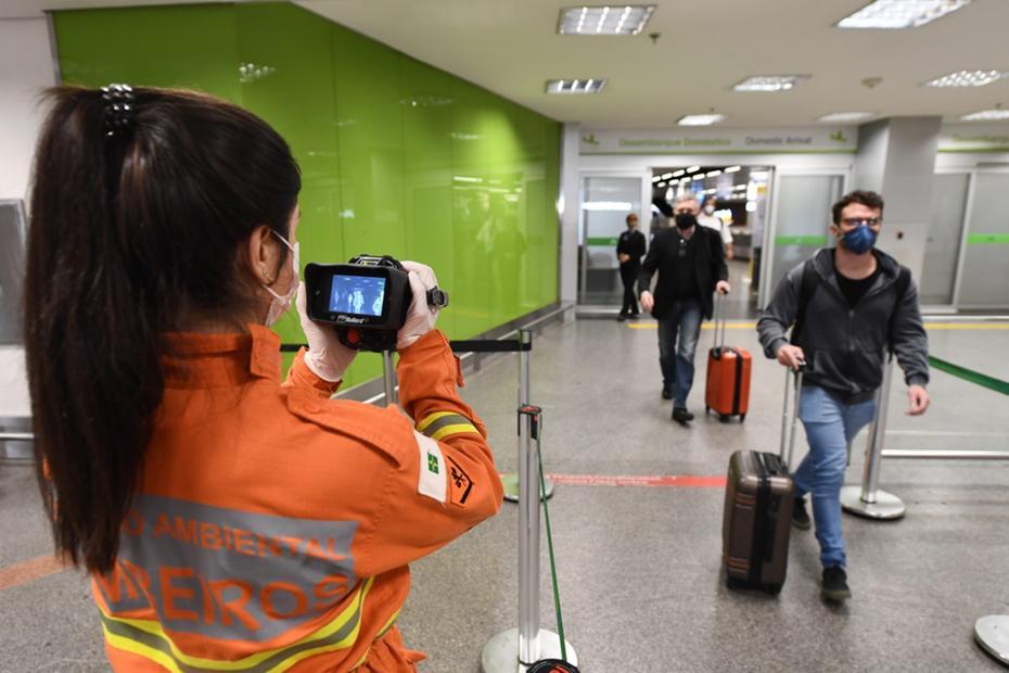 Covid-19: governo proíbe entrada de estrangeiros no país por 30 dias