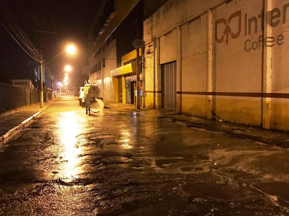 Bairros Bom Pastor e São Francisco de Assis receberam higienização em Manhuaçu
