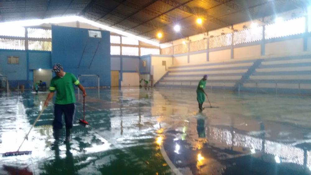 SAMAL realiza ampla limpeza no Ginásio Poliesportivo em Manhuaçu
