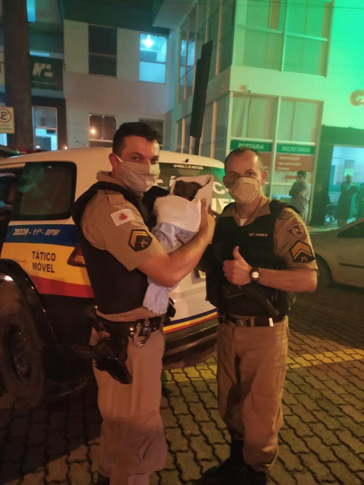 PM localiza recém-nascida que foi retirada da mãe na maternidade do hospital em Manhuaçu
