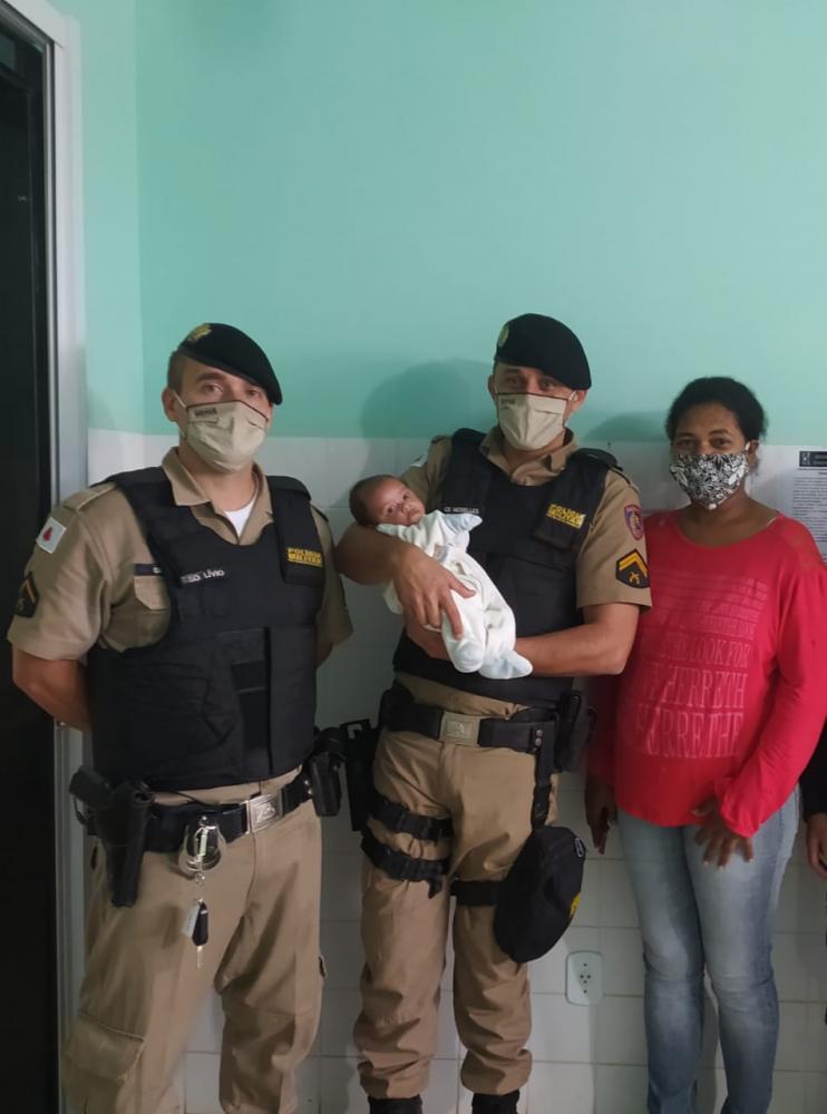 Policiais militares salvam bebê engasgado em Espera Feliz