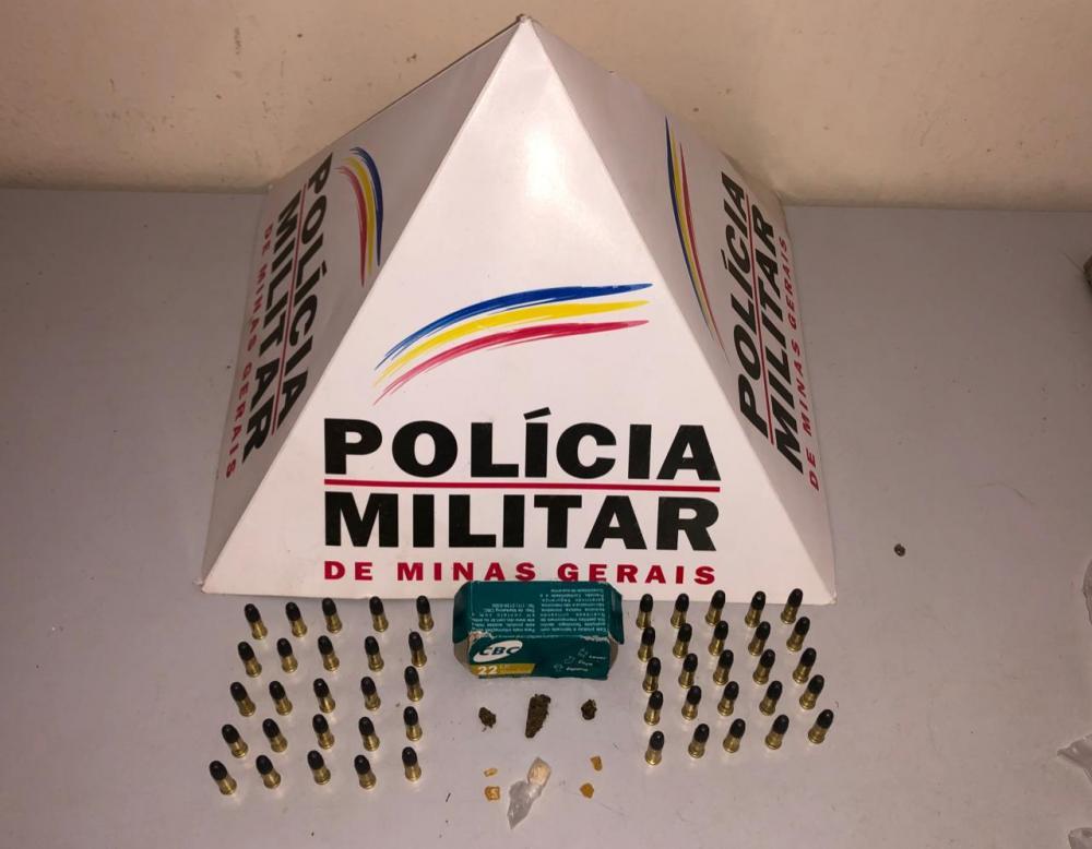 PM apreende drogas e munições em Lajinha