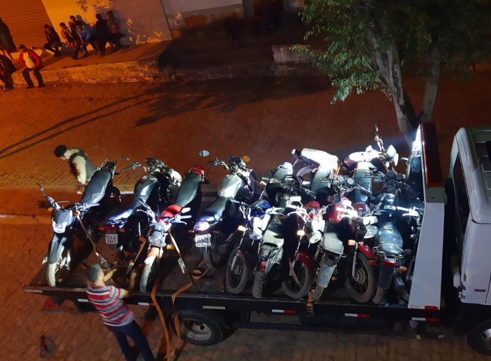 PM realiza operação de fiscalização de trânsito na comunidade de Santa Quitéria
