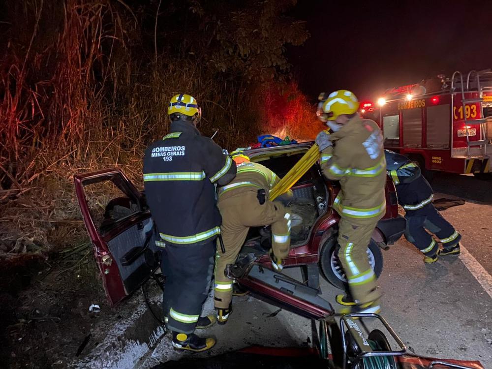 Os veículos Palio weekend x Uno, se colidiram frontalmente, nas imediações na rodovia BR 262 km 53, Realeza, felizmente as duas vítimas, sendo condutores dos veículos, foram socorridas.