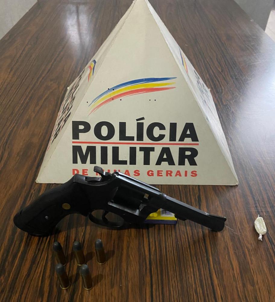 Arma de fogo e droga são apreendidas pela Polícia Militar em Alto Caparaó