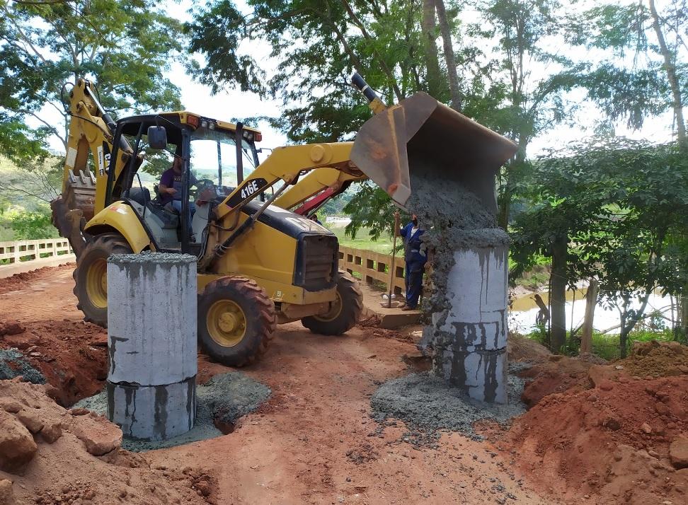 Ponte que liga Reduto a Manhumirim será liberada meia pista