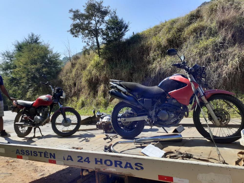 Após denuncia PM recupera motocicletas furtadas na Vila Formosa em Manhuaçu
