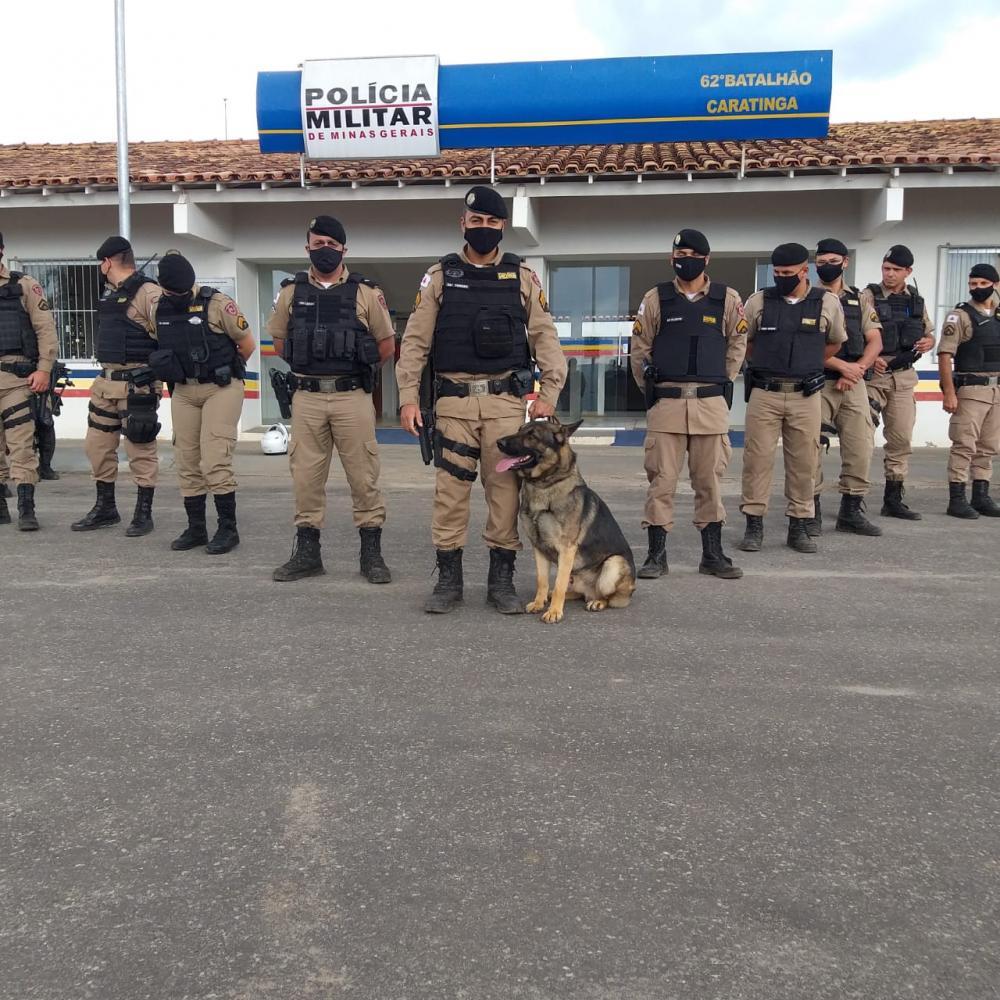Aquiles ajuda PM de Caratinga encontrar drogas em operação policial