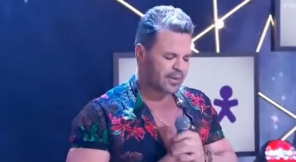 Após cantar músicas de seu próprio repertório, ele relembrou a versão brasileira da música I Can Only Imagine (Eu Apenas Posso Imaginar), gravada por Ana Paula Valadão.