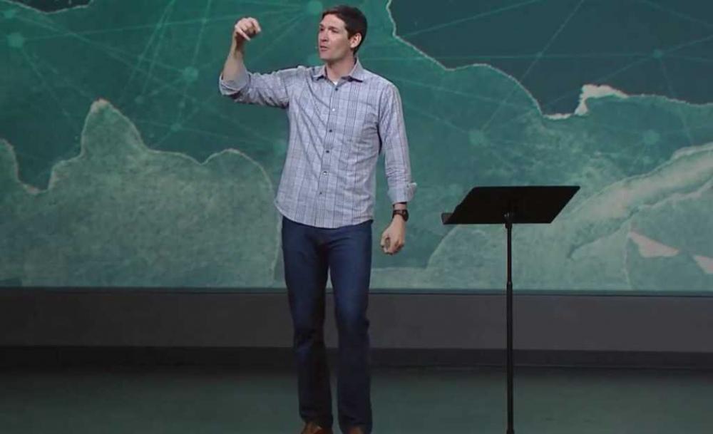 """""""A própria Igreja não mais fala sobre discipulado, não se trata mais de ser moldada, de ser formada. É sobre estar entretido no encontro."""""""