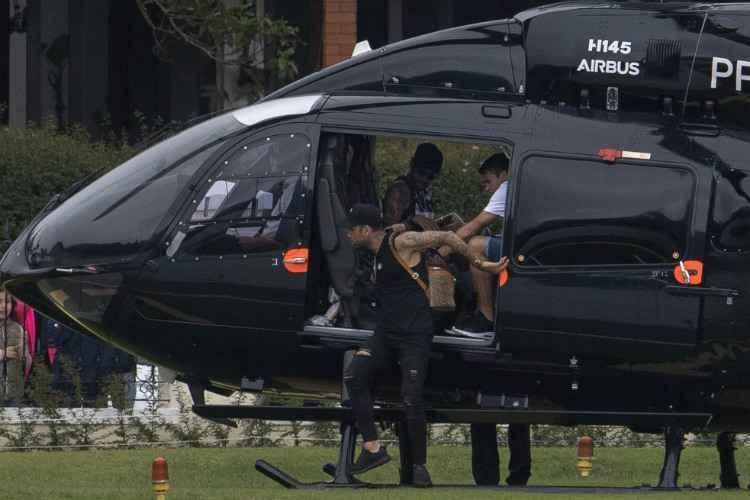 Polícia Civil vai à Granja Comary apurar divulgação de vídeo por Neymar