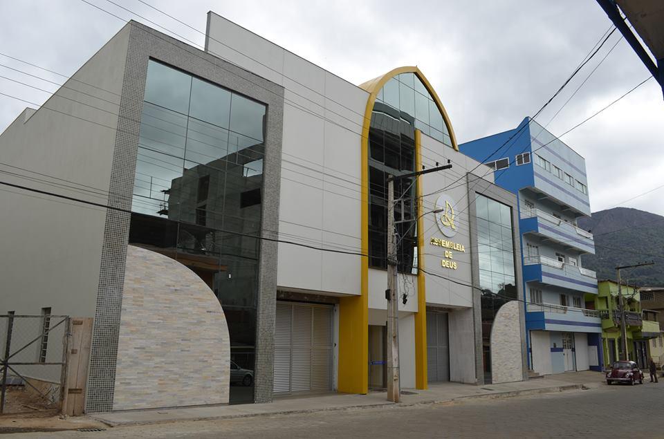 São João do Manhuaçu receberá os cantores Elias Silva e Paulo André em setembro
