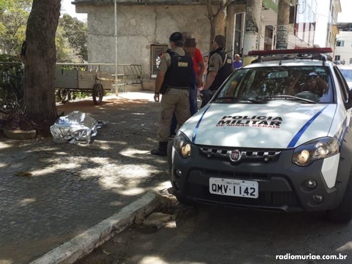 Uma equipe do SAMU chegou a ir ao local, mas homem já estava sem vida.