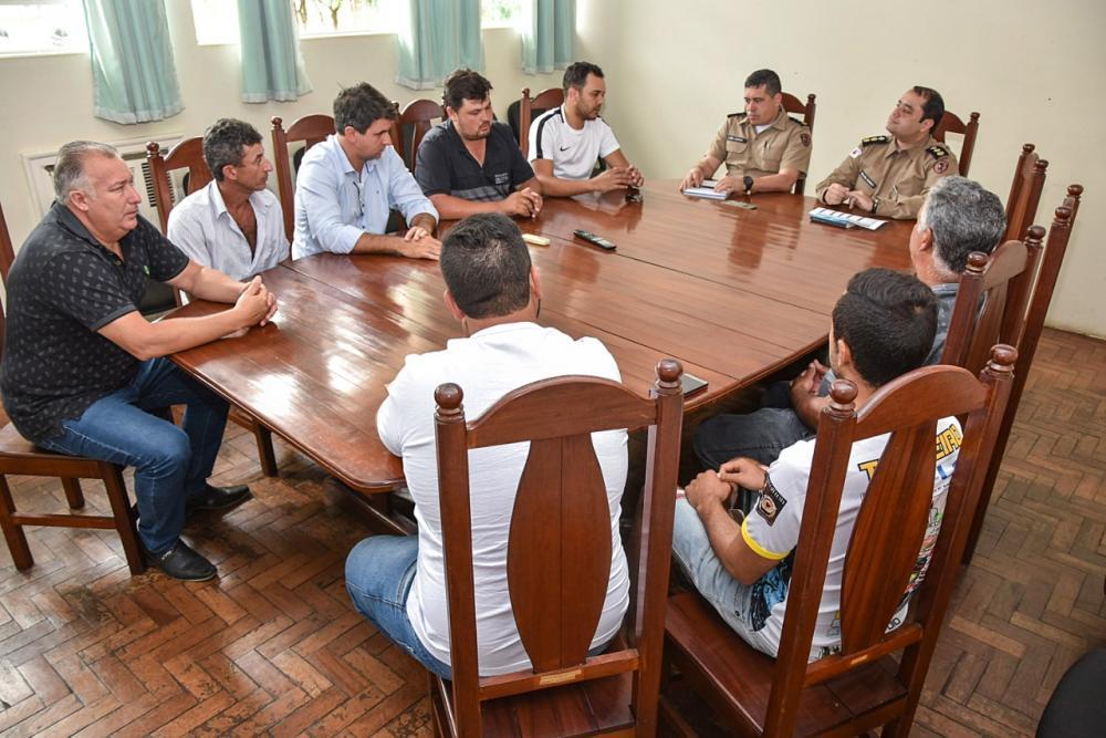 O objetivo do encontro foi abordar sobre a parceria entre o Legislativo e a PM a fim de melhorar cada vez mais a segurança pública no município.