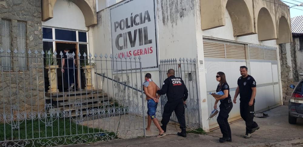 Polícia Civil de Manhumirim prendeu três pessoas suspeitas de envolvimento no assassinato de Ruan de Paula Silva, 22 anos.