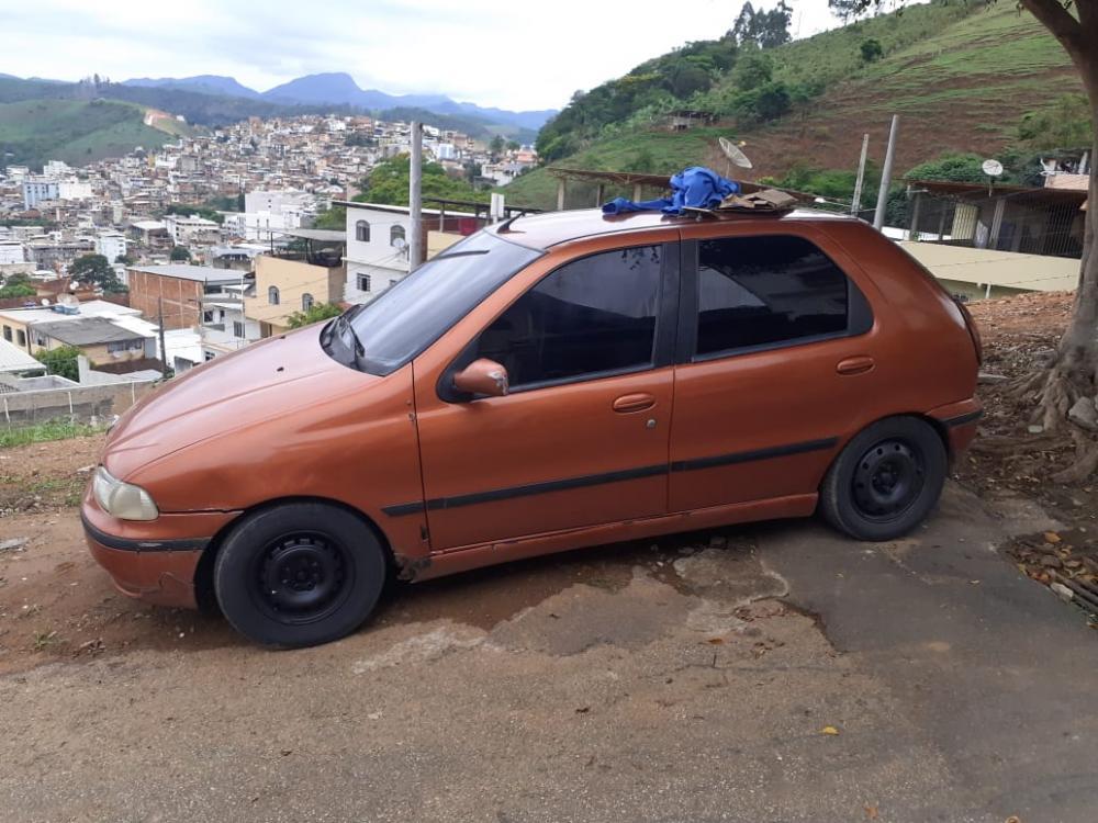 Veículo utilizado na fuga foi apreendido, autor preso e conduzido à Delegacia de Polícia Civil.