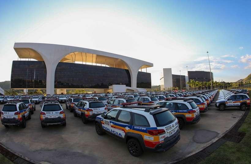 Um dos compromissos apresentados pelo governo estadual é encerar o parcelamento do salário dos servidores da área de segurança a partir do mês que vem.