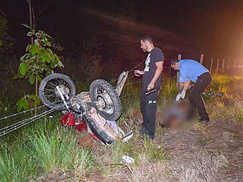 Durante o registro da ocorrência do acidente, uma pessoa procurou a sede da 29ª Cia PM, em Manhumirim, dizendo ser o proprietário da motocicleta, dizendo que esta teria sido furtada na noite de sábado.
