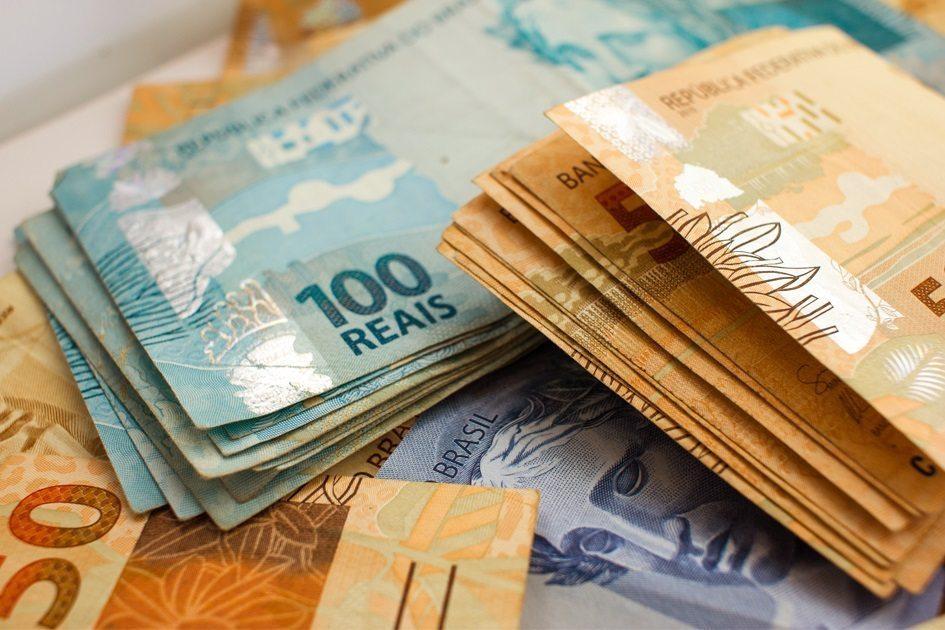 Governo informa ter reduzido previsão do salário mínimo de R$ 1.039 para R$ 1.031 em 2020