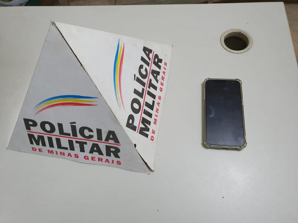 O autor e material recuperado foram encaminhados à Delegacia de Polícia Civil, onde foi ratificado o flagrante.