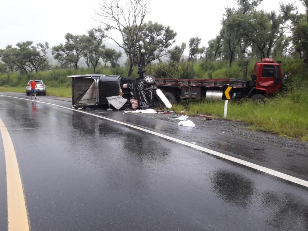 Dezesseis pessoas morrem em acidentes nas rodovias federais de MG em feriado de Natal