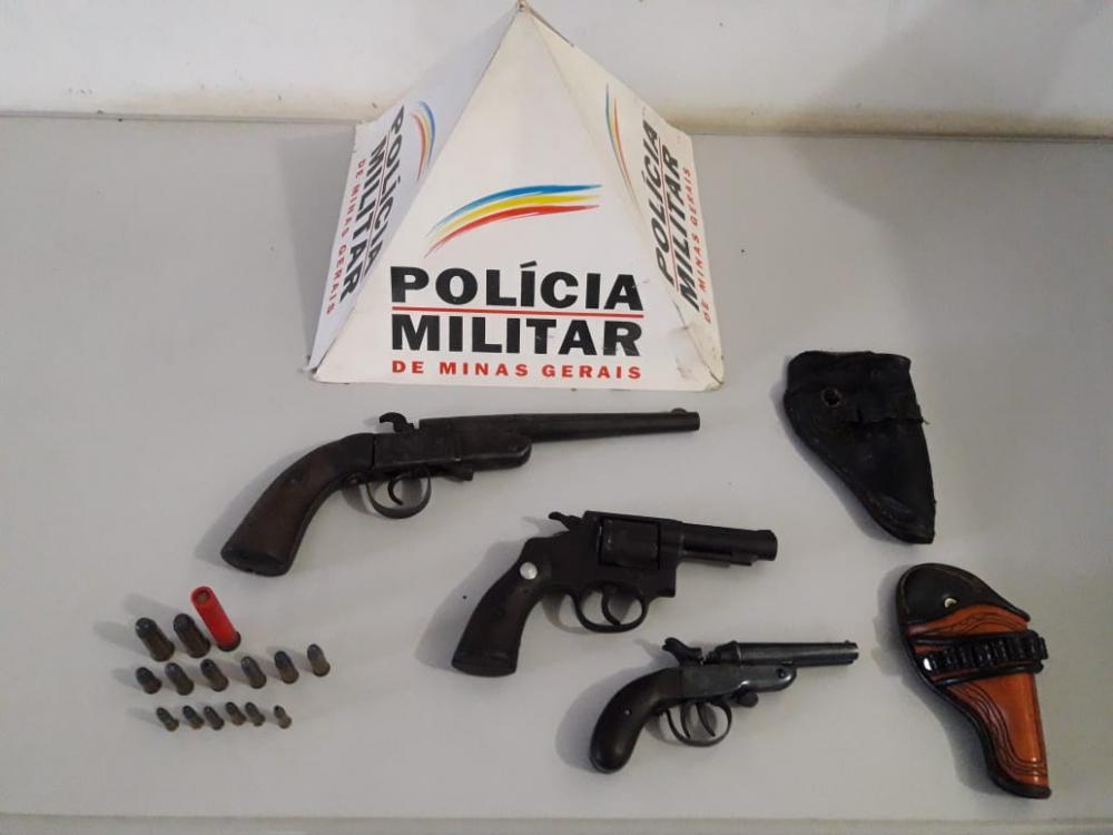 PM de Simonésia recebe denúncia e três armas de fogo foram apreendidas